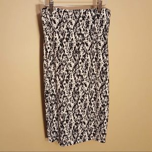 Vince Camuto stretchy pencil skirt size small